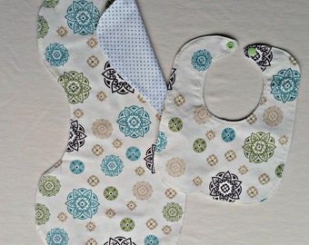 Gender Neutral Medallion Bib and Burp Cloth