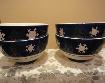 Christmas Bowls Set of 4 by Cambridge Potteries