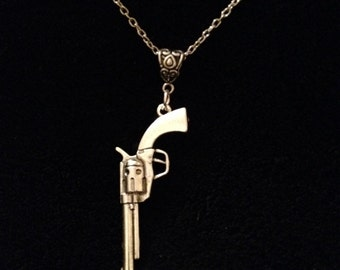 80p UK P&P Handmade Dirty Harry magnum revolver gun necklace pendant with 26inch chain silver weapon charm goth rock steampunk *UK SELLER*