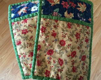 Pair of vintage 1980's Autumnal/fall-inspired floral oven mitts • Sold as a pair