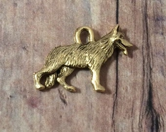 German Shepherd charm (2 sided) gold toned pewter (1 piece) - gold German Shepherd pendant, GSD charm, dog charms, shepard charms, Box 33