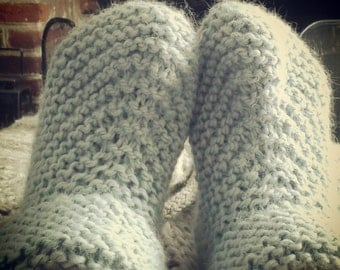 Beginner's Easy DIY Slippers Knitting Kit | Learn to Knit | Needles, Yarn, Instructions | The Little Songbird Knitting Co.