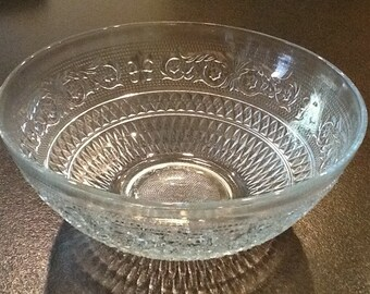 Depression Glass Sandwich Kig Malaysia Bowl <> RARE Fleur de Lis Design <> Crystal Color <> 1960's <> EXCELLENT CONDITION