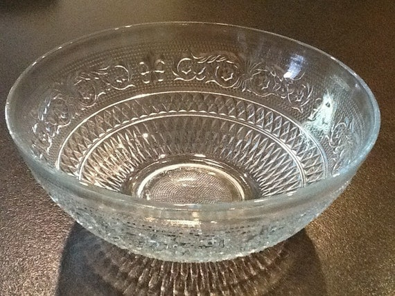 Depression glass sandwich kig malaysia bowl rare for Most valuable depression glass patterns