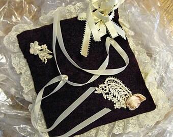 Wedding Ring Pillow, Vintage 1981 - WRiAc5