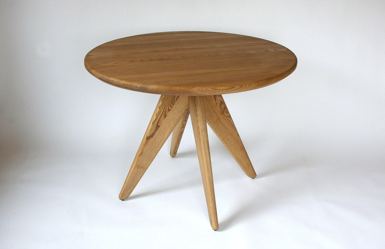 round solid wood oak dining table original dining table cafe. Black Bedroom Furniture Sets. Home Design Ideas