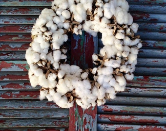 Cotton Wreath: 16 inch