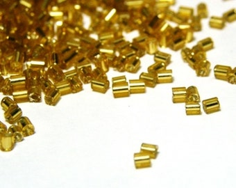 Short Bugle Beads 2 mm - Gold silverlined