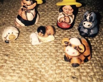 Miniature Peruvian Nativity . Set of 9 pieces .
