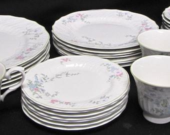 Royal Doulton Calais Set of 32 Dinnerware Plates, Cups, Saucers