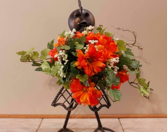 Black Chicken Iron Lady Chicken Chix Bouquet Pamsdezines Chicken Floral Arrangement (Item 225)