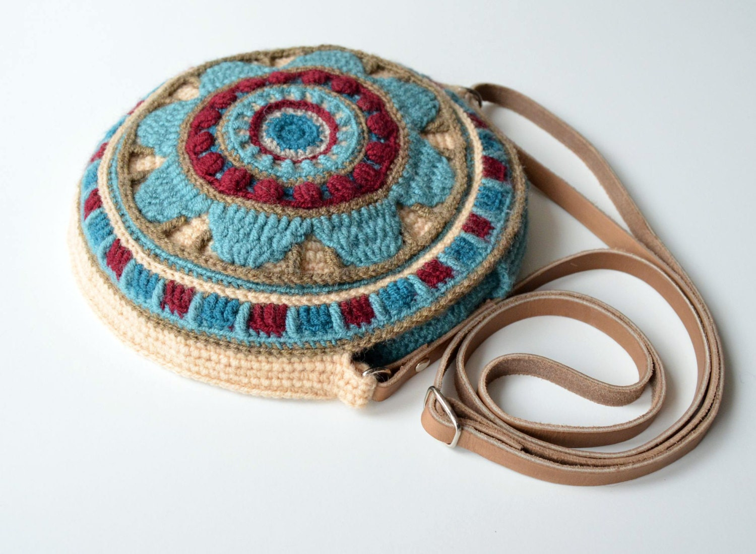 Round Bag crochet pattern overlay and by LillaBjornCrochet