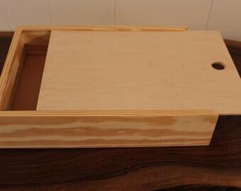 "Pie Box Wooden Box Pie Style Sliding Lid Keepsakes Trinket Housewarming Gift Pie Carrier (11""x 11""x 4"" Sliding lid pie box. Unfinished)"
