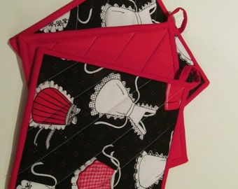 Adorable apron quilted hotpad/potholder