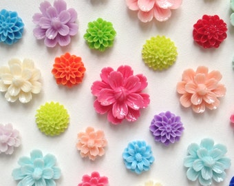 NEW - Resin Flower Cabochon - mixed lot- QTY 10 pieces