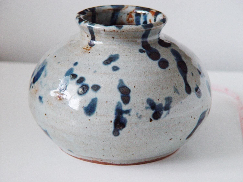 large round vase silver grey and indigo blue ink. Black Bedroom Furniture Sets. Home Design Ideas