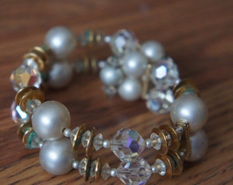 Vintage White Faux Pearl Two layers Bracelet  with Gold Beads O-0091