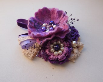 Felted brooch- flower purple-Felt brooch-Textile brooch in Handmade-Boho chic- fiber brooch