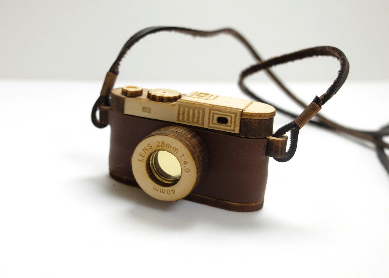 Miniature Wood Camera Necklace Vintage Camera Miniature