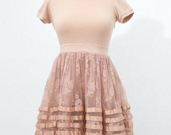 Twelve by Twelve Los Angeles Peach Floral Lace Dress Size Xs