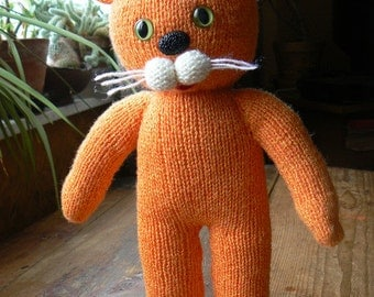 Knit Cat, Knitted Toy, Knitted Kitten, Stuffed Animal, New Baby Gift, Kids toy, MADE TO ORDER