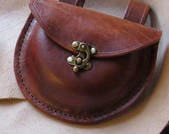 Multi-purpose leather bushcraft belt pouch