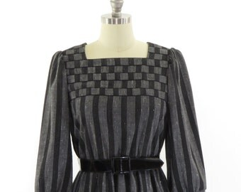 Vintage 1980's, Leslie Fay, Cotton Dress in Grey and Black. Checkers and Stripes!