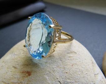 Vintage 14kt Gold Natural Blue Topaz Ring Size 7 1/2