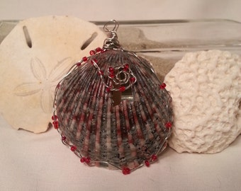 Ocracoke Beaded Black and Red Scallop Necklace