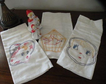 Charming Set of 3 , 1920s Antique Dishtowels