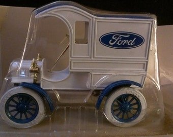 1905 Ford Delivery Car Bank (236)