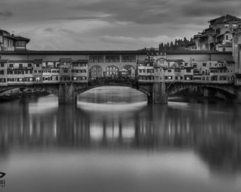 Florence, black and white photography of Florence, Italy, black and white pics, view of the Arno River, souvenir of Italy, memory of Tuscany