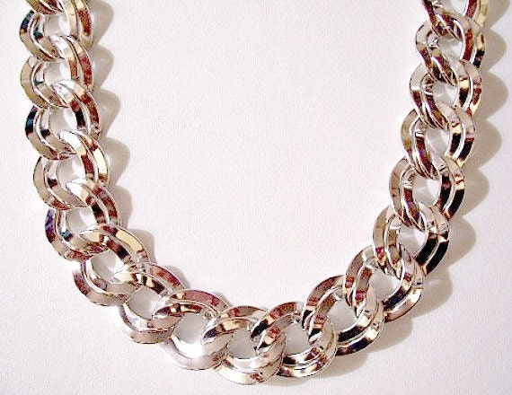 Monet Double Wavy Link Necklace Silver By Prettyvintiquejewels