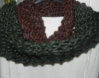 Scarf-neckwarmer double wrap around the neck ring black-green Infinity Scarf