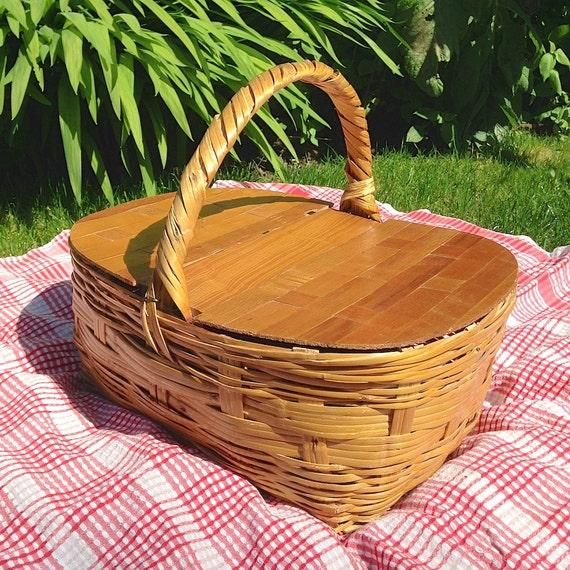 Vintage Wicker Picnic Basket 35