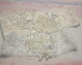 stretch lace garter set with lace applique