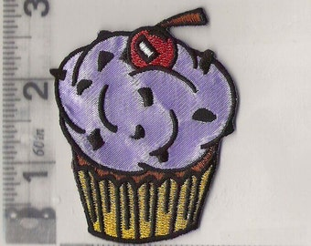 Big yummy cupcake iron on patch