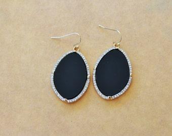 Black Drop Earrongs, Gold drop earrings, black stone earrings, dangle earrings