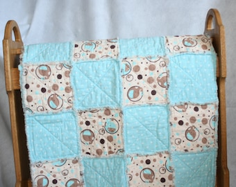 Baby Blue & Tan Elephants Print Rag Quilt