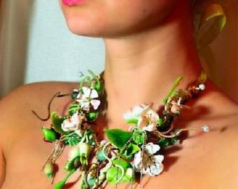 Green Flower Necklace,Statement Charm Necklace,Spring Jewelry,Statement Jewelry, Pendant Necklace
