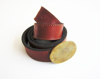 Simple Women's Caramel Brown Leather Vintage Belt, Oval Brass Plate Style Buckle, Ladies' Size Medium - Large, Classic