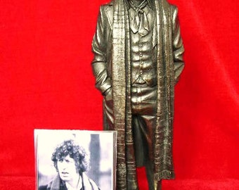 Dr Who Tom Baker Figurine Limited Edition Only 1000 Made By LEGENDS FOREVER The Fourth Doctor Statue Figure Model Ornament For Dispaly