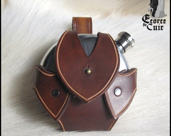 Door flaccid leather - included flange / dark brown / Dark brown leather flask holder / GN / LARP