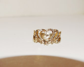 Free Shipping Sterling Silver Vintage Heart Ring size  8