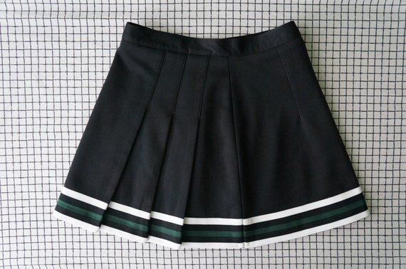 90 s tennis skirt black white green stripes pleated