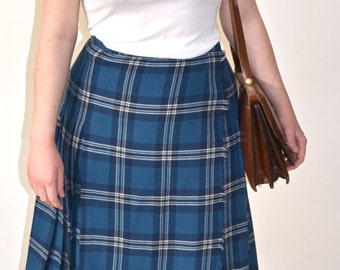 Peter MacArthur -- Vintage Kilt -- Blue Hues -- Pure Wool -- Made in Scotland