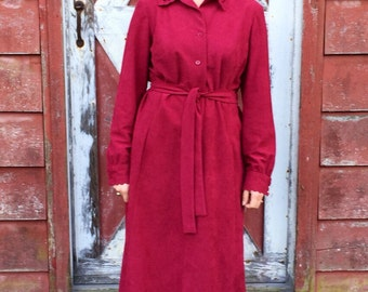 Vintage 1960s Medium/Large Umba for Parnes Feinstein Union Made ILGWU Collared Button Down Belted Cranberry Dress