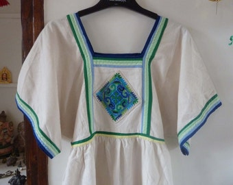 Vintage mexican or guatemalan tunic embroideries 80's