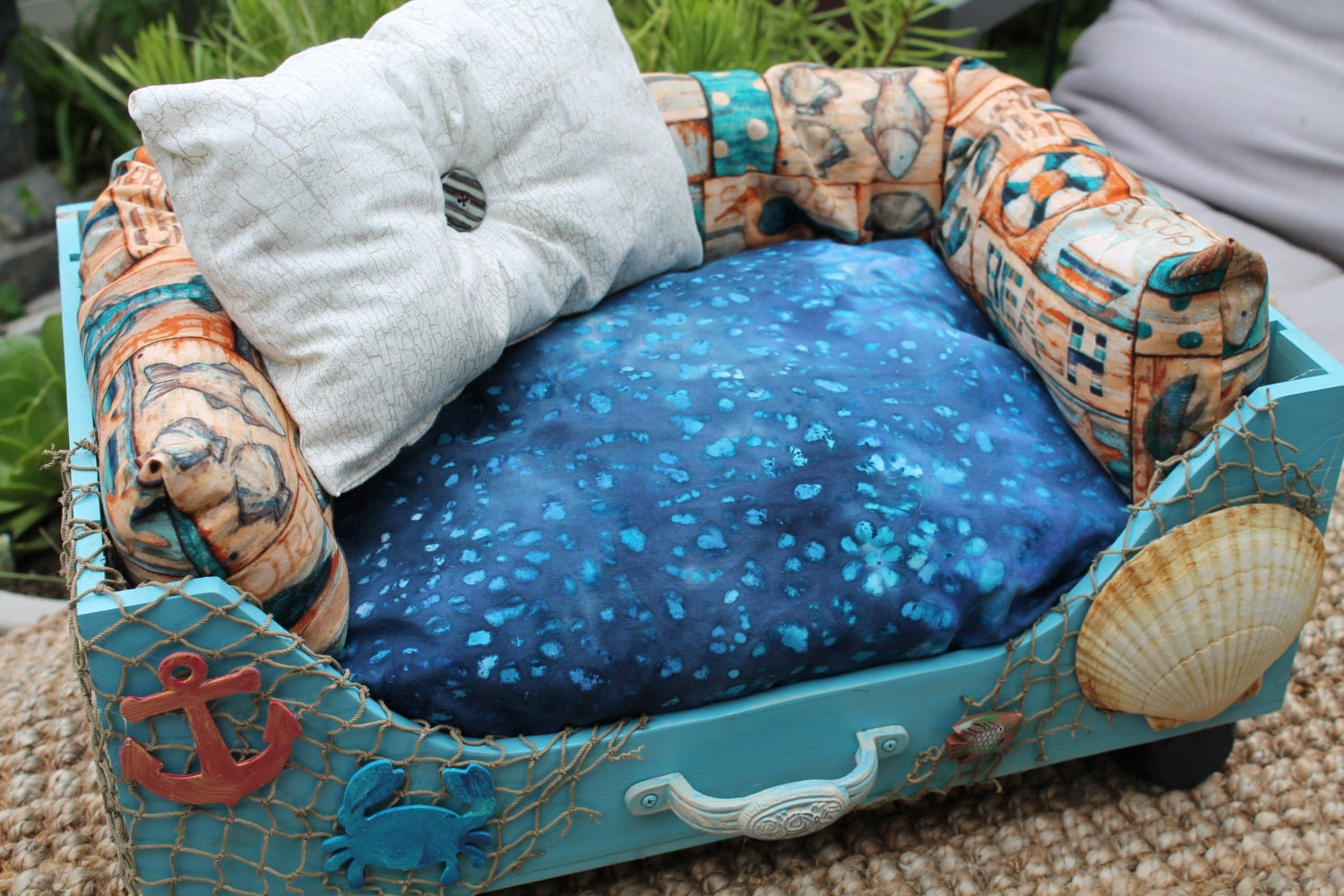 Under the sea pet bed for Ocean bed meaning