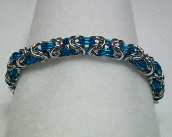Silver & Turquoise chainmaille bracelet